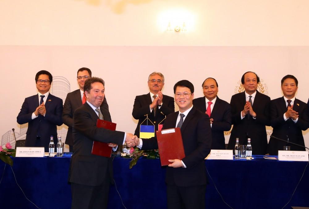 IDJ Group ký kết tại Romania